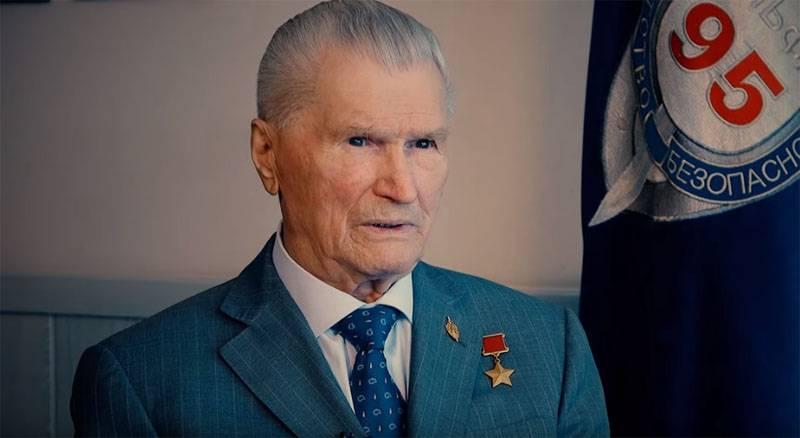 アルファジェナディザイツエフの伝説的な司令官が彼の軍歴について語る