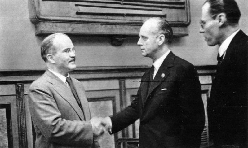 Los pensamientos del historiador sobre el pacto Molotov-Ribbentrop