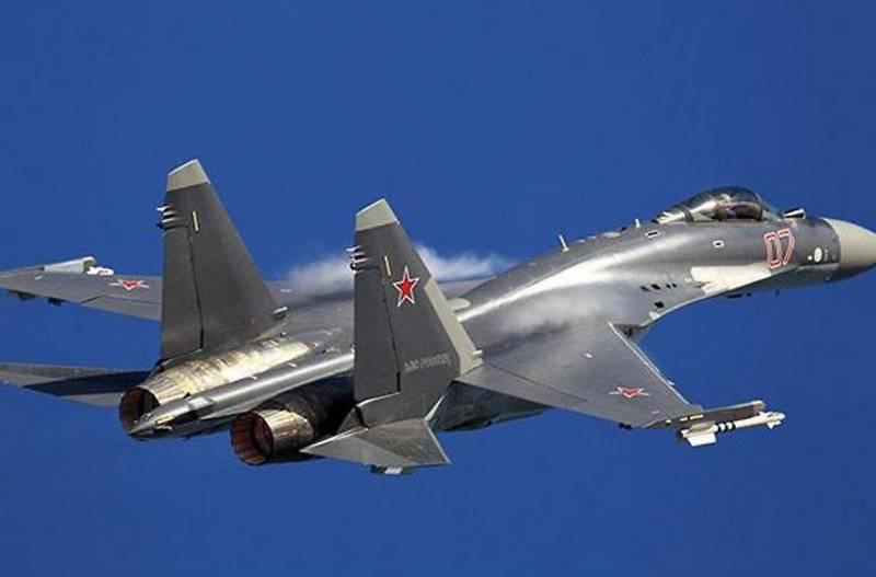 Истребитель ВКС РФ Су-35 прилетел в Турцию на фестиваль Технофест