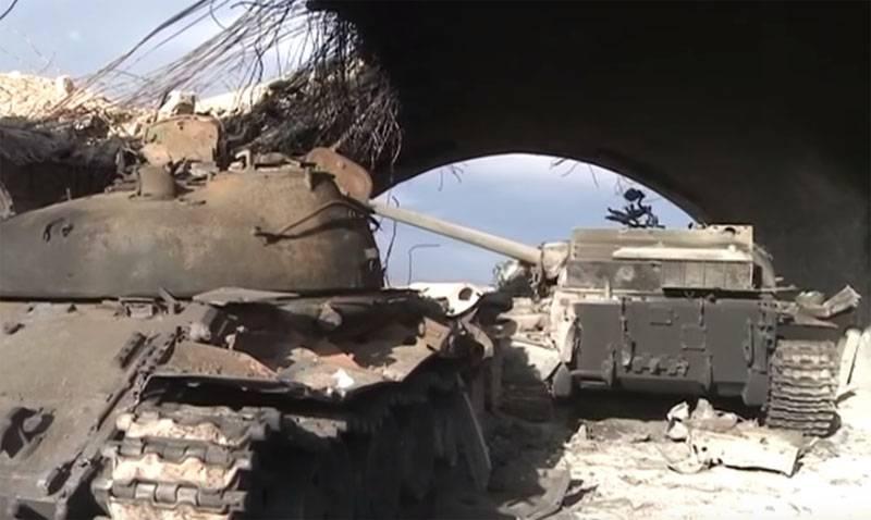 SAAはパルミラ近くのISISの影響で損失を被りました:都市の新たな損失を防ぐため