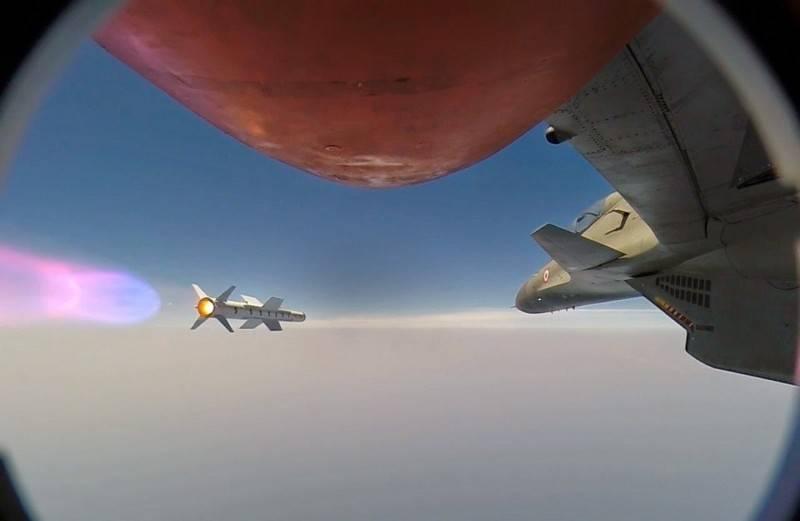 भारत ने सु-एक्सएनयूएमएक्सएमकेआई से एस्ट्रा रॉकेट का उड़ान परीक्षण किया