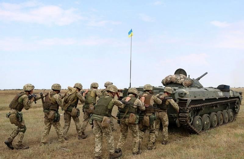 """Украино-американская рота на учениях разгромила """"зелёных человечков"""""""