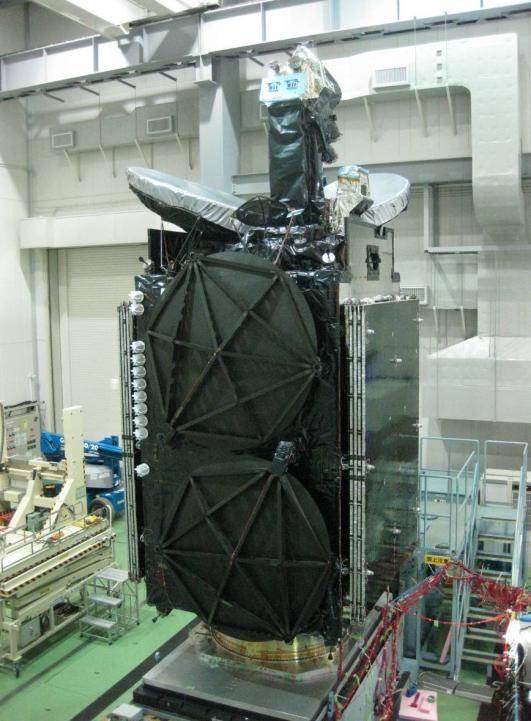जापानी बीसीसी अंतरिक्ष में देख रहे हैं। स्टार आत्मरक्षा