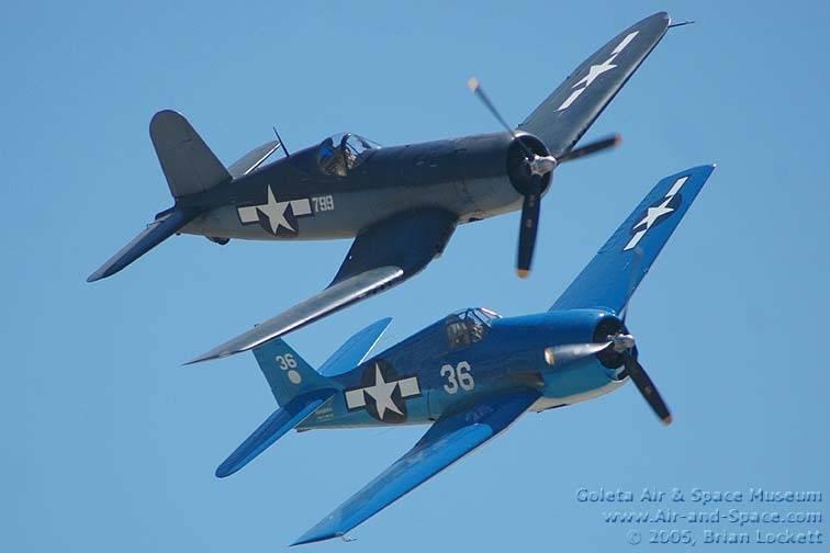 Aviões de combate. Comparações. Corsair vs. Hellfeline