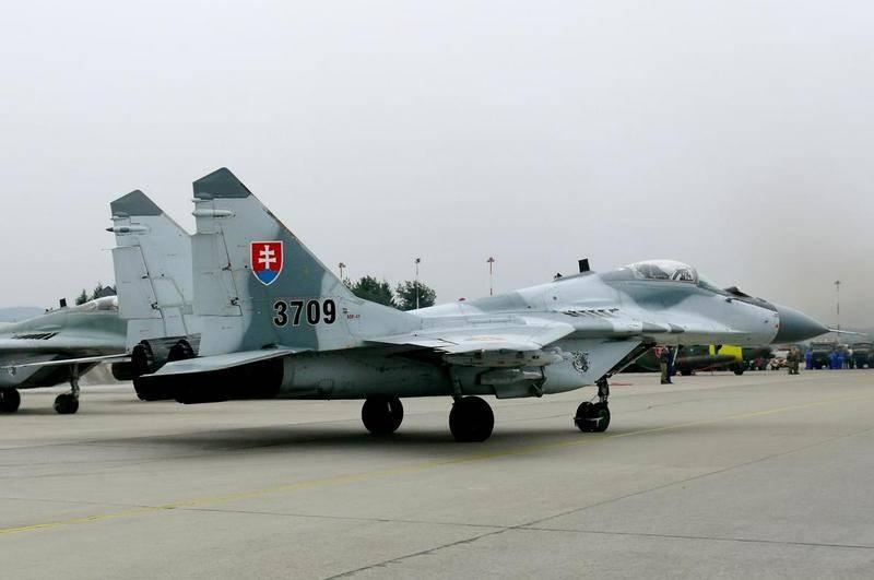 共和国空军MiG-29战斗机在斯洛伐克坠毁