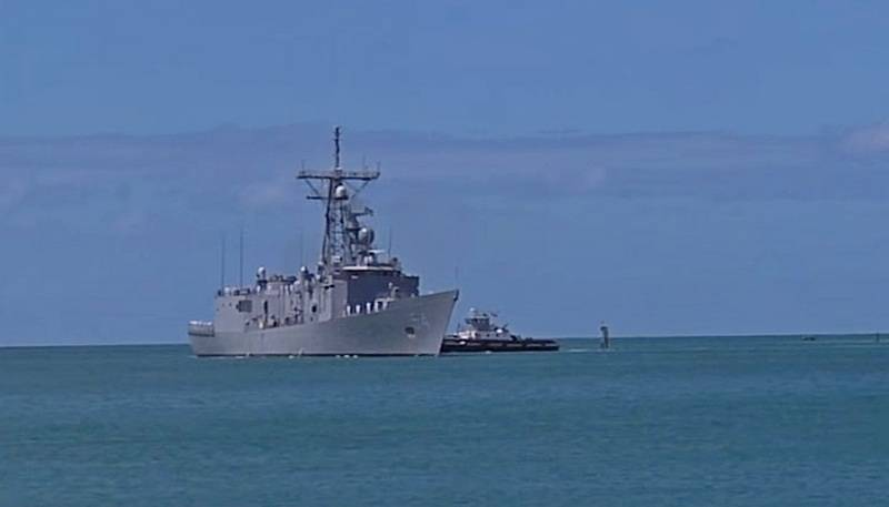US and Singapore Navy drowned FFG 54 Ford frigate during exercises