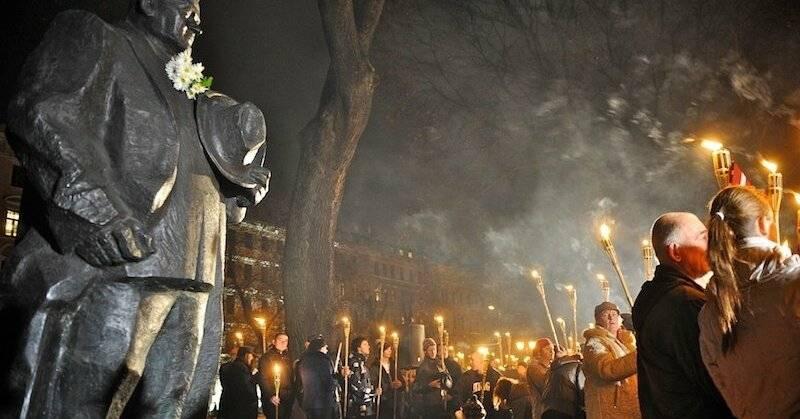 Memorial Day de los Forest Brothers en Letonia. Sean cuales sean las vacaciones, el luto