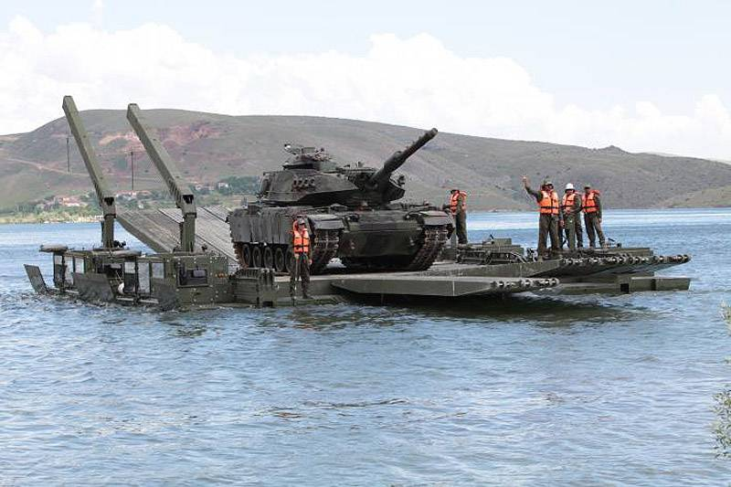 Improving the pontoon-bridge management of Europe