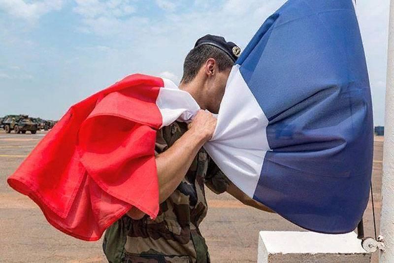 パリ:シリアのクルド民兵と共に行動する特殊部隊を防衛します
