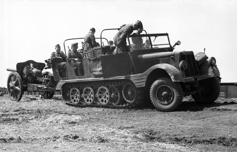Der Hauptpanzerwagen der Wehrmacht. Sd.Kfz. 251 Ganomage