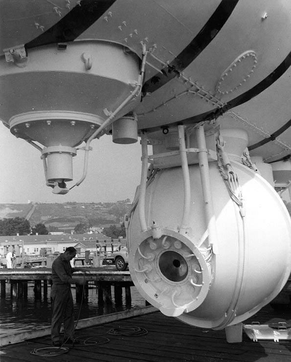 Наибольшая глубина погружения подлодок ВМФ России, ВМС США и Японии