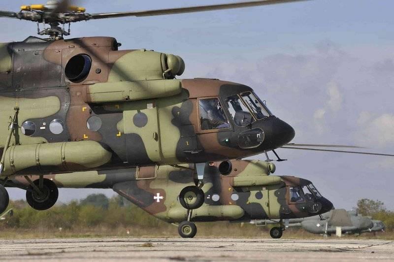 A Sérvia recebeu três helicópteros Mi-17 na véspera do dia da libertação