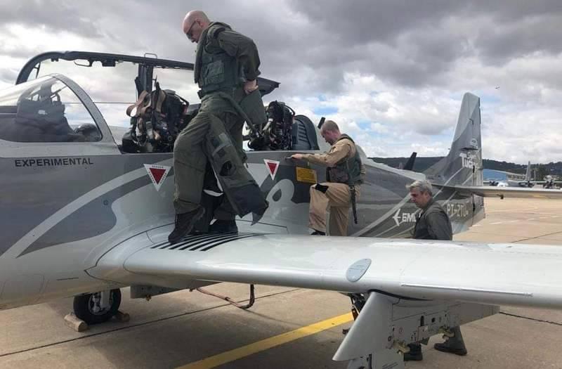 I piloti ucraini hanno testato il velivolo d'attacco leggero EMB-314 Super Tucano