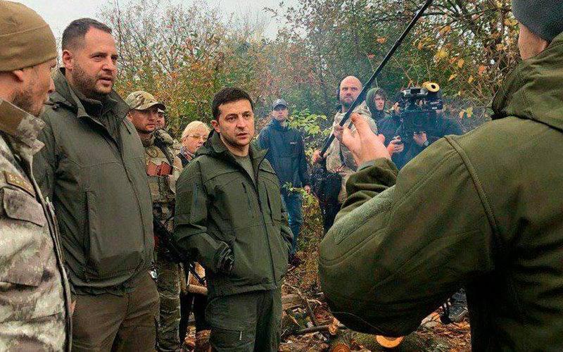 Zelensky sprach mit Nationalisten im Donbass in gehobenen Tönen
