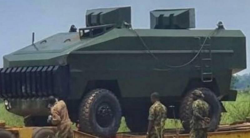 """Nigeria zeigte einen Ezugwu (""""Mountain"""") Panzerwagen der Klasse MRAP"""