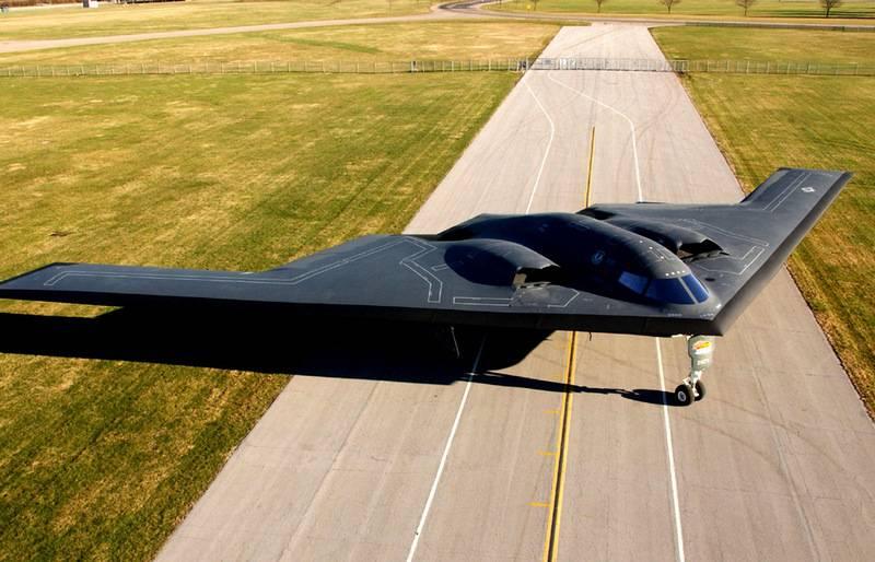Nos Estados Unidos, completou a modernização do primeiro bombardeiro estratégico B-2