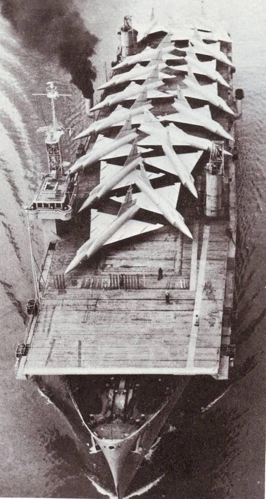 古い空母に対するベトコン特殊部隊。 船「カード」の破壊