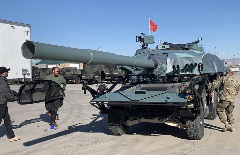 """संयुक्त राज्य अमेरिका में, हॉलीवुड के विशेषज्ञ हुमवे को """"रूसी टैंक"""" टी-एक्सएनयूएमएक्स में बदल देते हैं"""