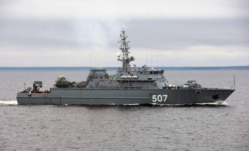 """扫雷艇""""亚历山大·奥布科夫""""(Alexander Obukhov)在波罗的海底部发现了第二次世界大战的潜艇"""