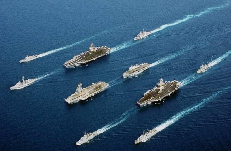 """В США рассматривают варианты нападения на """"периферию"""" России и Китая"""