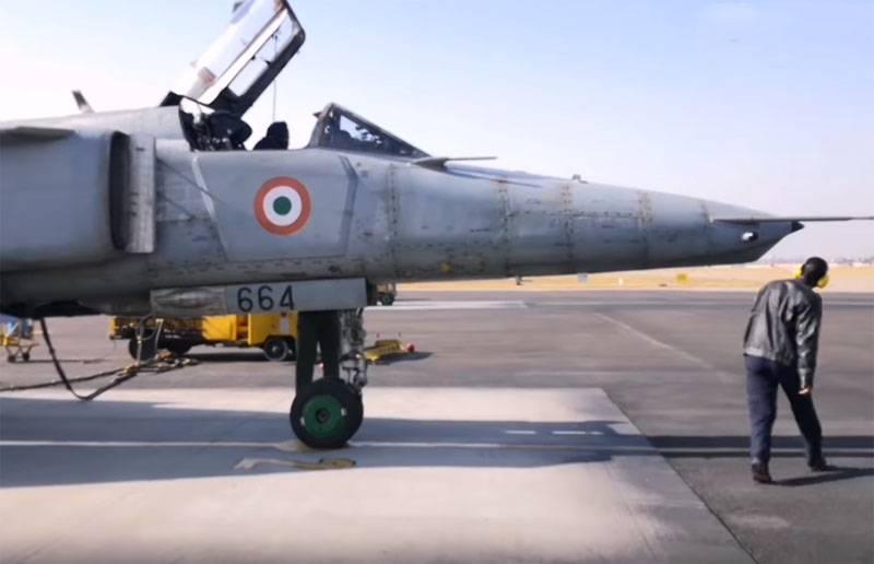 Índia anuncia data final para descomissionamento do MiG-27