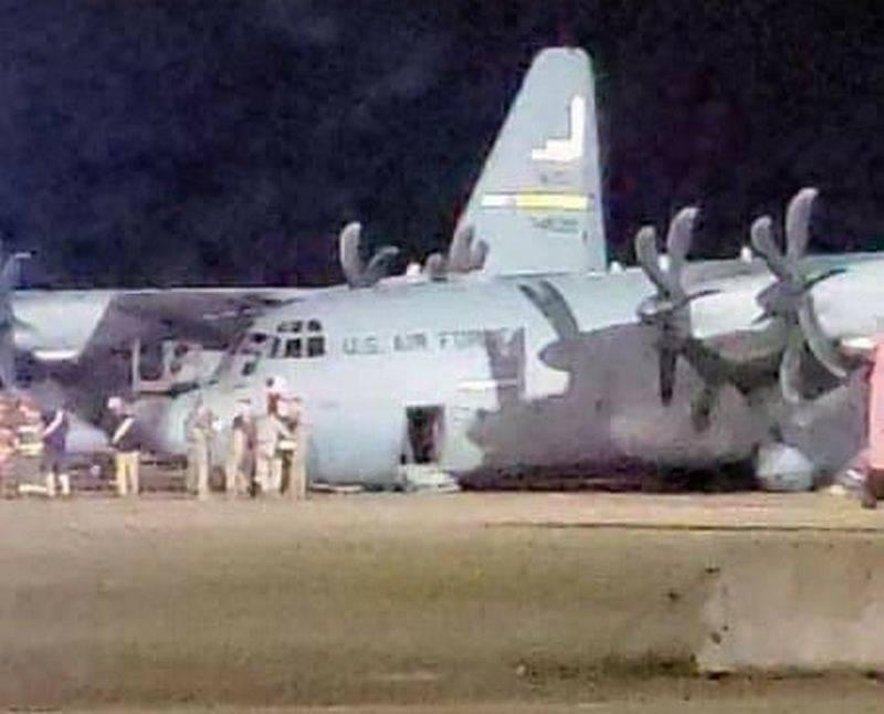 "C-130 ""pflügte"" die Landebahnnase: 2-Unfall in der US Air Force in dieser Woche"