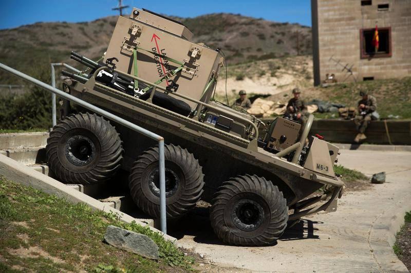 अमेरिकी सेना ने एक परिवहन रोबोट को चुना