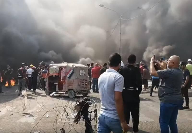 严重后果:伊朗领事馆在伊拉克遭到示威者袭击