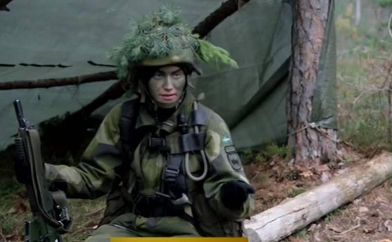 एक वीडियो में स्वीडिश महिलाओं को सशस्त्र बलों में शामिल होने के लिए कहा गया