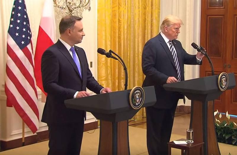पोलैंड बेच: डोनाल्ड ट्रम्प से वास्तविक दृष्टिकोण