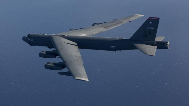 Trois stratèges américains, B-52N, ont quitté l'Europe