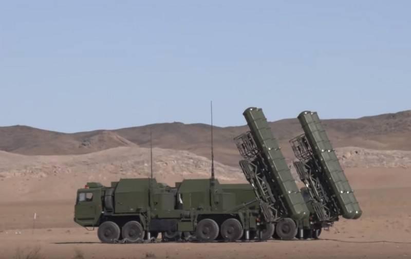Des artilleurs anti-aériens ouzbeks ont testé le système de défense antiaérien chinois FD-2000 (HQ-9)