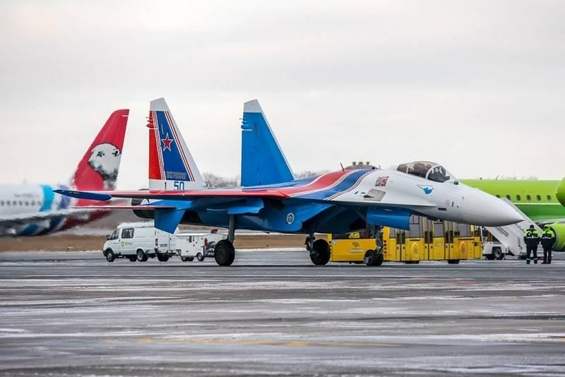 रूसी शूरवीरों की एरोबैटिक टीम को नए Su-35С सेनानी मिले
