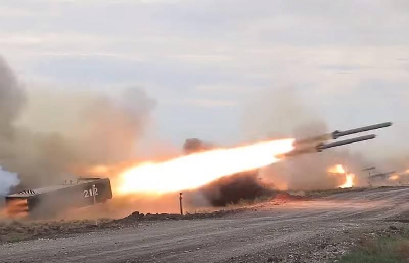 국방부는 TOS-2 화염 방사기 시스템 병력 입국시기에 대해 연설했습니다.