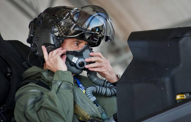 Lockheed Martin a résolu le problème du casque de pilote F-35
