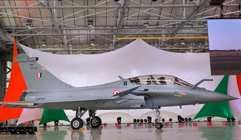In India, they talked about the superiority of the French Rafale over the Russian Su-30MKI