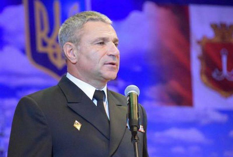 海軍総司令官は、ロシアに「捨てられた」船について話すと脅した