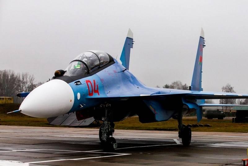 L'armée de l'air biélorusse a reçu une deuxième paire de chasseurs Su-30СМ
