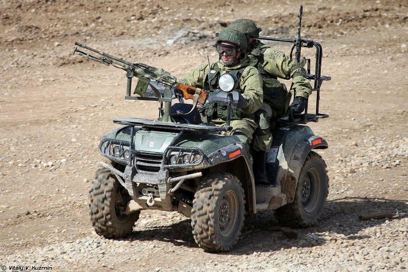Die russische Militärpolizei wird mit Geländefahrzeugen ausgerüstet