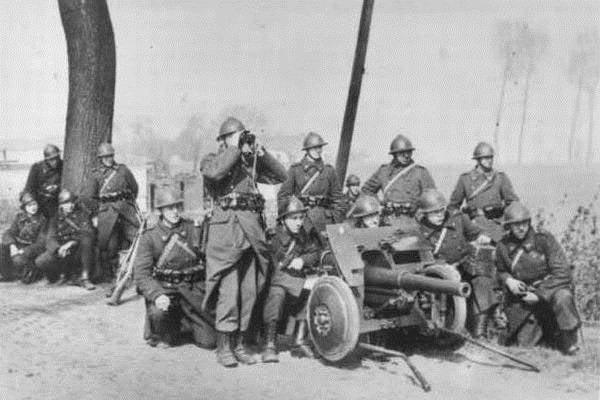 Trophäe Belgische, britische und französische Panzerabwehrgeschütze der deutschen Streitkräfte im Zweiten Weltkrieg