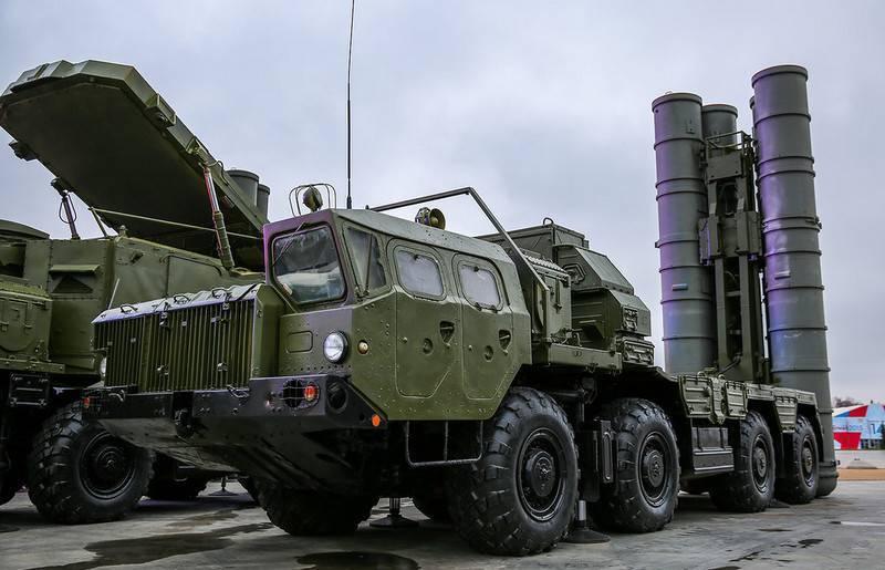 "С-300 ПМ-2""Favorite""는 최전선 폭격기의 도움으로 테스트되었습니다 Su-34"