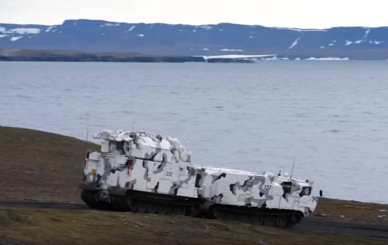 La prima batteria del sistema missilistico di difesa aerea Tor-M2DT assunse il servizio di combattimento nella flotta settentrionale