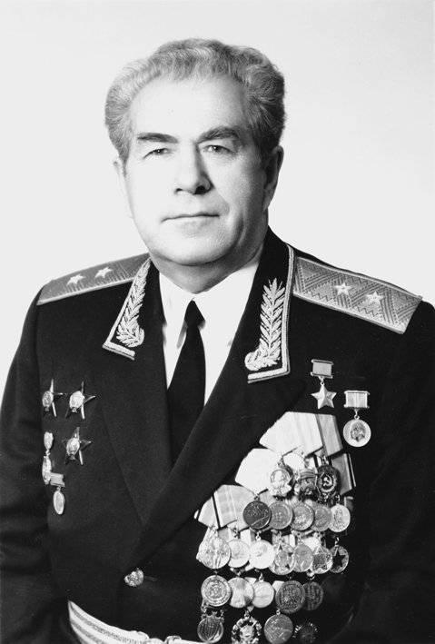 尼古拉·安德烈耶夫(Nikolay Andreev)。 斯大林格勒战役的英雄油轮