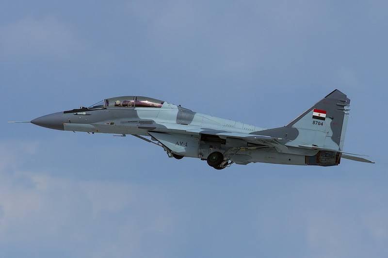 Força Aérea Egípcia MiG-29 caiu durante o vôo de treinamento