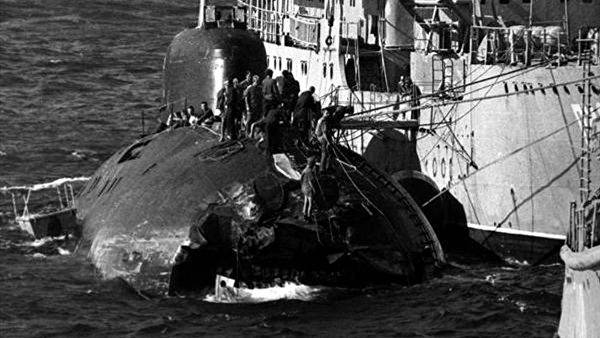Two powerful blows: how the Soviet submarine collided with the US aircraft carrier