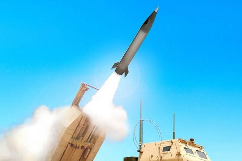 새로운 작전 전술 미사일의 첫 번째 테스트는 미국에서 통과