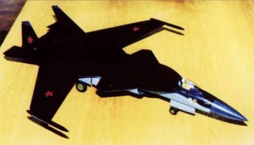 प्रोजेक्ट Su-27KM। एक विमान वाहक के लिए रिवर्स स्वीप