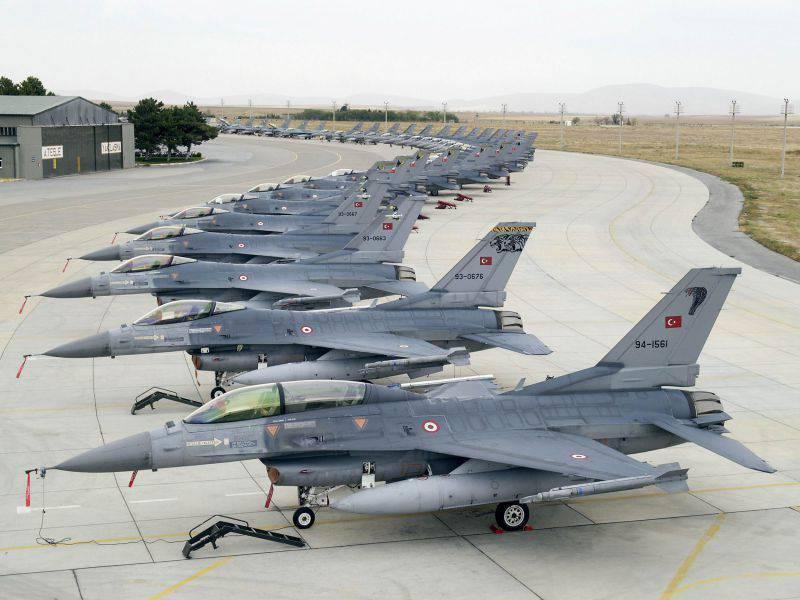 替代F-35A的替代品。 向土耳其提供Su-35SK的机会