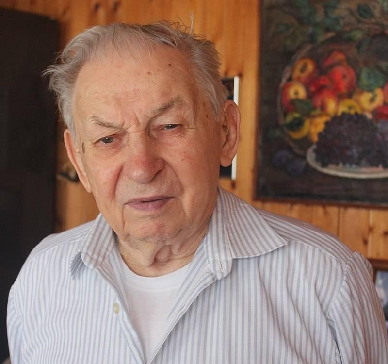 सोवियत संघ के नायक वसीली रेशेतनिकोव 100 साल के हैं!