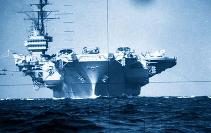 Два мощных удара: как советская подлодка столкнулась с авианосцем США